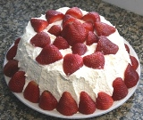 Picture of Angelfood Strawberry Deluxe Cake by W. Clements