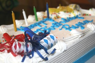 Birthday Cake Pictures : cake recipes and decorating ideas - www.pureclipart.com